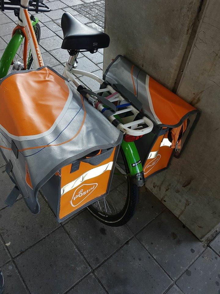 Fietstassen vol post van postbode gestolen