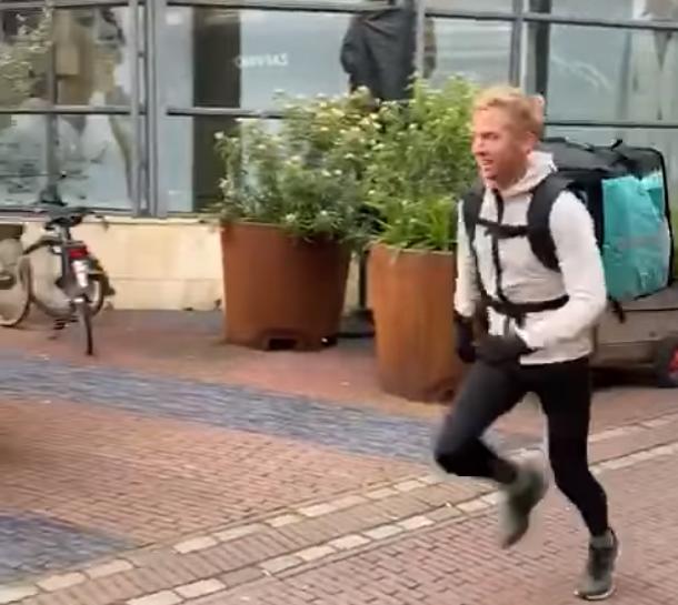 Supersnelle bezorgservice door topsporter Frank Futselaar