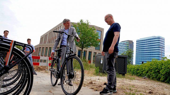 Zonder auto schoon en comfortabel naar de stad met een elektrische deel(bak)fiets