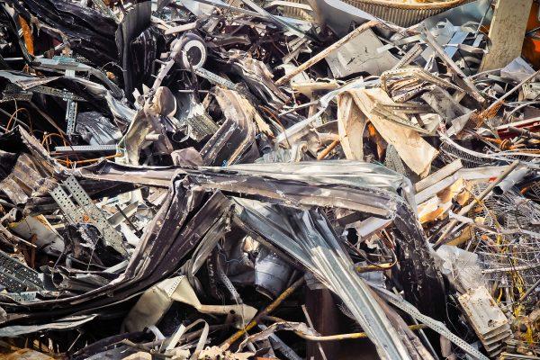 Arnhem onderzoekt verplaatsing recyclingbedrijf Van Houtum