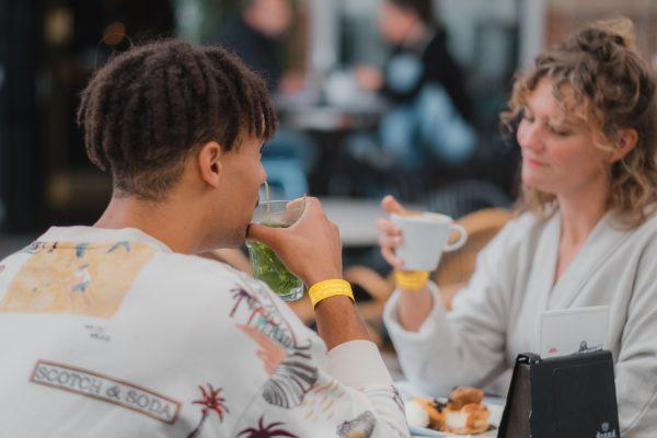 Horeca Arnhemse binnenstad introduceert polsbandjes